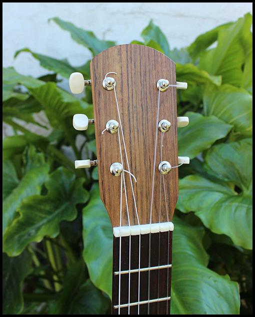 Guitarra de viaje modelo estándar Nahuel detalle pala