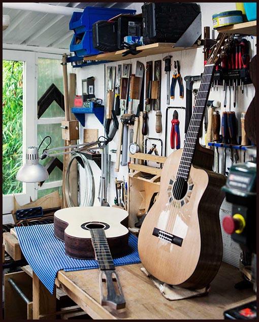 Guitarra artesanal taller de luthería