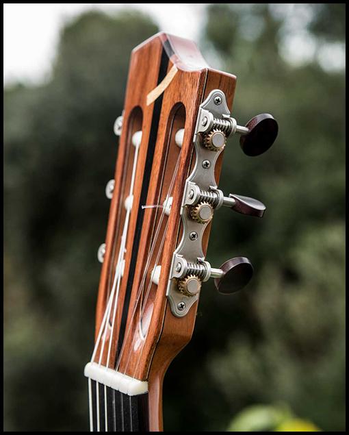 Pala guitarra artesanal clásica Bossa